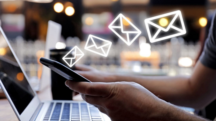 How Dark Mode for Email Can Boost Your Deliverability?